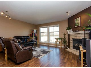 """Photo 3: 28 46906 RUSSELL Road in Sardis: Promontory Townhouse for sale in """"RUSSELL HEIGHTS"""" : MLS®# H2150113"""