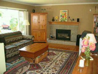 """Photo 2: 5249 CLAUDE AV in Burnaby: Burnaby Lake House for sale in """"BURNABY LAKE"""" (Burnaby South)  : MLS®# V609507"""
