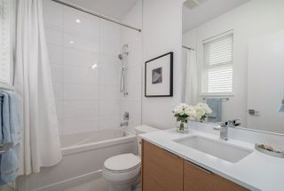 Photo 13: 574 E 16TH Avenue in Vancouver: Fraser VE House 1/2 Duplex for sale (Vancouver East)  : MLS®# R2039860