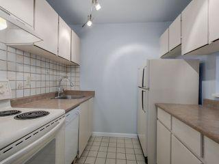 "Photo 11: 306 2119 BELLEVUE Avenue in West Vancouver: Dundarave Condo for sale in ""BELLEVUE GARDENS"" : MLS®# R2048496"