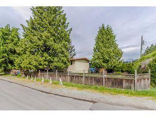 Photo 2: 2135 ELKHORN Avenue in Coquitlam: Central Coquitlam House for sale : MLS®# R2059735