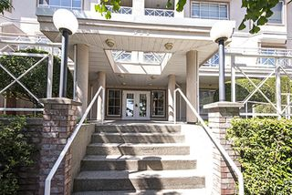 Photo 2: 208 525 AGNES Street in New Westminster: Downtown NW Condo for sale : MLS®# R2065971