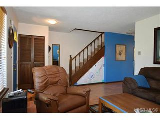 Photo 8: 19 1741 McKenzie Avenue in VICTORIA: SE Mt Tolmie Townhouse for sale (Saanich East)  : MLS®# 367753
