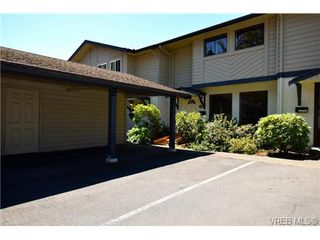 Photo 3: 19 1741 McKenzie Avenue in VICTORIA: SE Mt Tolmie Townhouse for sale (Saanich East)  : MLS®# 367753