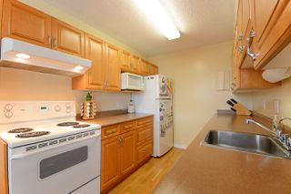 """Photo 1: 1907 5645 BARKER Avenue in Burnaby: Central Park BS Condo for sale in """"CENTRAL PARK PLACE"""" (Burnaby South)  : MLS®# R2093295"""