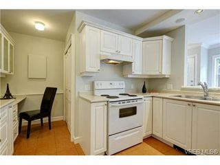 Photo 11: C 142 St. Lawrence St in VICTORIA: Vi James Bay Row/Townhouse for sale (Victoria)  : MLS®# 738005