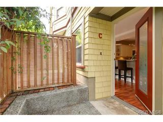 Photo 2: C 142 St. Lawrence St in VICTORIA: Vi James Bay Row/Townhouse for sale (Victoria)  : MLS®# 738005