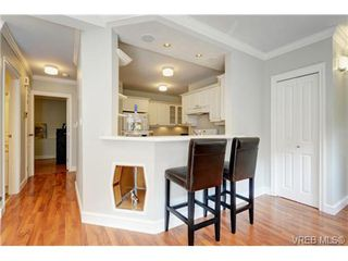 Photo 7: C 142 St. Lawrence St in VICTORIA: Vi James Bay Row/Townhouse for sale (Victoria)  : MLS®# 738005