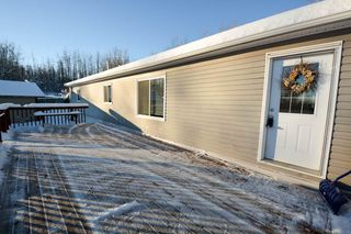 Photo 2: 13326 HIGHLEVEL Crescent: Charlie Lake Manufactured Home for sale (Fort St. John (Zone 60))  : MLS®# R2126238
