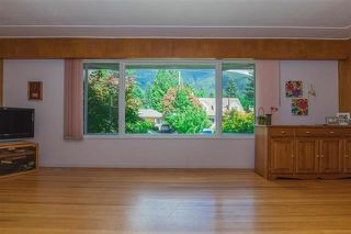 Photo 5: 1071 RUTHINA Avenue in North Vancouver: Canyon Heights NV House for sale : MLS®# R2128888