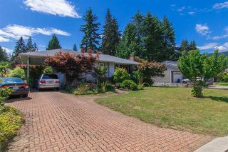 Photo 2: 1071 RUTHINA Avenue in North Vancouver: Canyon Heights NV House for sale : MLS®# R2128888