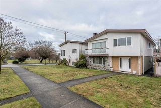 Photo 2: 2709 GRAVELEY Street in Vancouver: Renfrew VE House for sale (Vancouver East)  : MLS®# R2140738