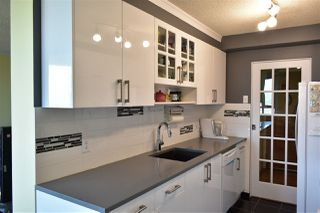 """Photo 2: 1604 5645 BARKER Avenue in Burnaby: Central Park BS Condo for sale in """"Central Park Place"""" (Burnaby South)  : MLS®# R2219348"""