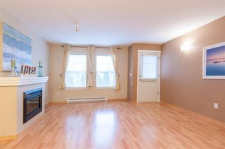 Photo 4: 25 8638 159 STREET in Surrey: Fleetwood Tynehead Townhouse for sale : MLS®# R2214211