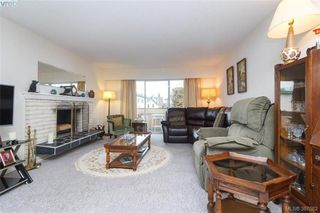 Photo 4: 302 1012 Pakington St in VICTORIA: Vi Fairfield West Condo for sale (Victoria)  : MLS®# 777772