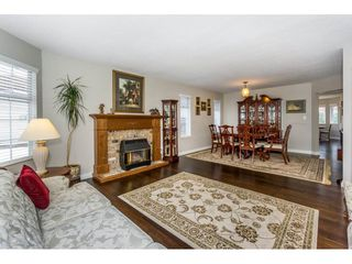 """Photo 4: 23166 88 Avenue in Langley: Fort Langley House for sale in """"Fort Langley"""" : MLS®# R2241481"""