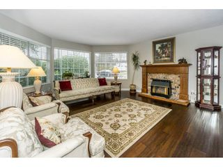 """Photo 3: 23166 88 Avenue in Langley: Fort Langley House for sale in """"Fort Langley"""" : MLS®# R2241481"""