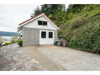 Photo 7: 6969 ROCKWELL Drive: Harrison Hot Springs House for sale : MLS®# R2260314