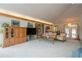 Photo 11: 6969 ROCKWELL Drive: Harrison Hot Springs House for sale : MLS®# R2260314