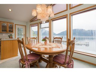 Photo 12: 6969 ROCKWELL Drive: Harrison Hot Springs House for sale : MLS®# R2260314