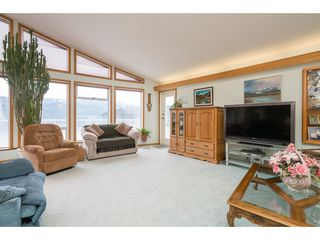 Photo 10: 6969 ROCKWELL Drive: Harrison Hot Springs House for sale : MLS®# R2260314