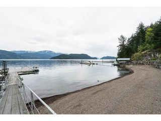 Photo 4: 6969 ROCKWELL Drive: Harrison Hot Springs House for sale : MLS®# R2260314