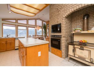 Photo 13: 6969 ROCKWELL Drive: Harrison Hot Springs House for sale : MLS®# R2260314