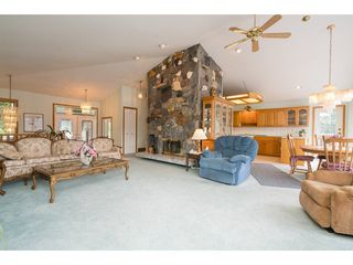 Photo 9: 6969 ROCKWELL Drive: Harrison Hot Springs House for sale : MLS®# R2260314