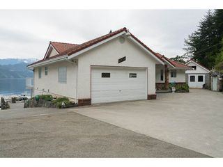 Photo 6: 6969 ROCKWELL Drive: Harrison Hot Springs House for sale : MLS®# R2260314