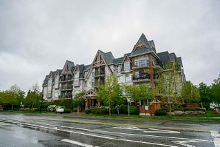 "Photo 3: 403 17769 57 Avenue in Surrey: Cloverdale BC Condo for sale in ""Clover Down Estates"" (Cloverdale)  : MLS®# R2261769"