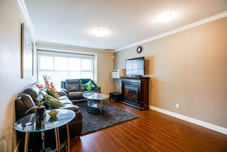 "Photo 9: 403 17769 57 Avenue in Surrey: Cloverdale BC Condo for sale in ""Clover Down Estates"" (Cloverdale)  : MLS®# R2261769"