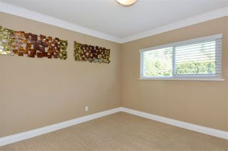 "Photo 12: 14233 MAGDALEN Avenue: White Rock House for sale in ""West White Rock"" (South Surrey White Rock)  : MLS®# R2262291"