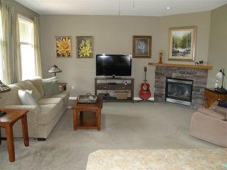 Photo 3: 19 21293 LAKEVIEW Crescent in Hope: Hope Kawkawa Lake House for sale : MLS®# R2294979