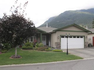 Photo 2: 19 21293 LAKEVIEW Crescent in Hope: Hope Kawkawa Lake House for sale : MLS®# R2294979