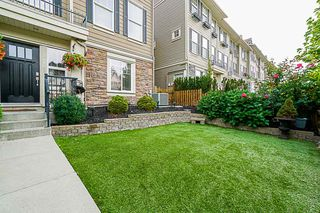 Photo 2: 21142 80A Avenue in Langley: Willoughby Heights Condo for sale : MLS®# R2314133