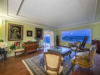 Photo 15: 836 ESQUIMALT Avenue in West Vancouver: Sentinel Hill House for sale : MLS®# R2320954