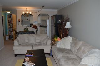 """Photo 5: 306 2410 EMERSON Street in Abbotsford: Abbotsford West Condo for sale in """"Lakeway Gardens"""" : MLS®# R2328859"""