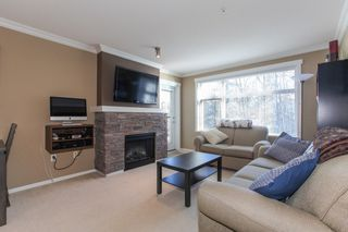 Photo 4: 204 300 KLAHANIE Drive in Port Moody: Port Moody Centre Condo for sale : MLS®# R2340249
