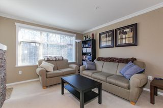 Photo 5: 204 300 KLAHANIE Drive in Port Moody: Port Moody Centre Condo for sale : MLS®# R2340249