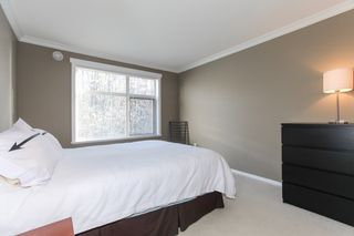 Photo 12: 204 300 KLAHANIE Drive in Port Moody: Port Moody Centre Condo for sale : MLS®# R2340249