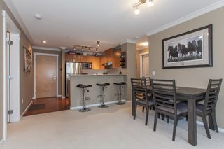 Photo 8: 204 300 KLAHANIE Drive in Port Moody: Port Moody Centre Condo for sale : MLS®# R2340249
