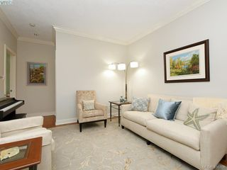 Photo 12: 762 Hill Rise Lane in VICTORIA: SE Cordova Bay Row/Townhouse for sale (Saanich East)  : MLS®# 406708