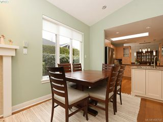 Photo 9: 762 Hill Rise Lane in VICTORIA: SE Cordova Bay Row/Townhouse for sale (Saanich East)  : MLS®# 406708