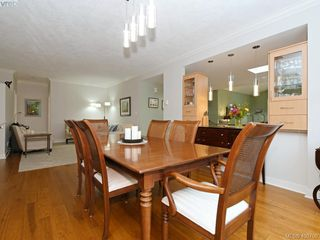 Photo 11: 762 Hill Rise Lane in VICTORIA: SE Cordova Bay Row/Townhouse for sale (Saanich East)  : MLS®# 406708