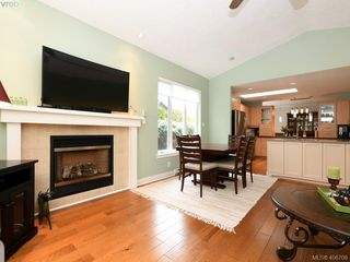 Photo 7: 762 Hill Rise Lane in VICTORIA: SE Cordova Bay Row/Townhouse for sale (Saanich East)  : MLS®# 406708