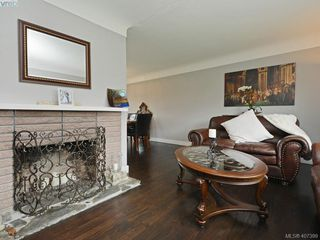 Photo 6: 593 Agnes Street in VICTORIA: SW Glanford Half Duplex for sale (Saanich West)  : MLS®# 407399