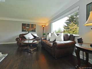 Photo 5: 593 Agnes Street in VICTORIA: SW Glanford Half Duplex for sale (Saanich West)  : MLS®# 407399