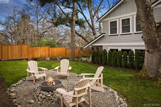 Photo 3: 712 Warder Place in VICTORIA: Es Rockheights Single Family Detached for sale (Esquimalt)  : MLS®# 407931