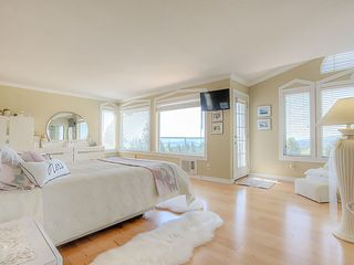 Photo 13: 4188 STARLIGHT Way in North Vancouver: Upper Delbrook House for sale : MLS®# R2365946