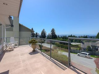 Photo 19: 4188 STARLIGHT Way in North Vancouver: Upper Delbrook House for sale : MLS®# R2365946